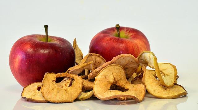 čerstvá a sušená jablka