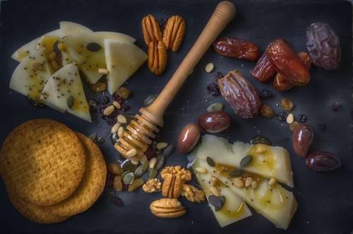 med a oříšky a ostatní věci