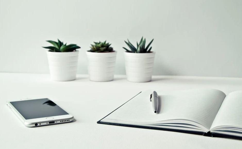 mobil a zápisník